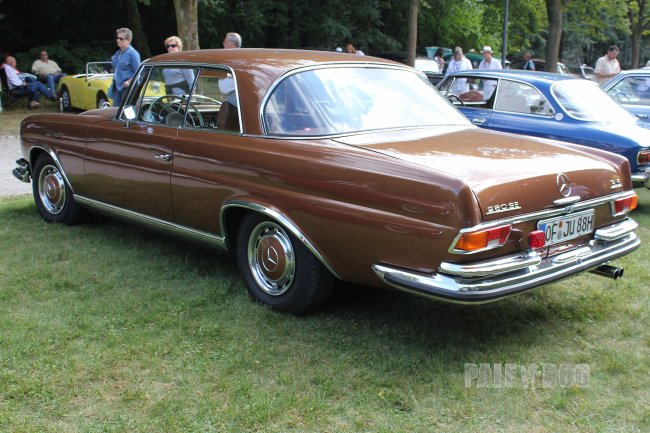 1971 Mercedes-Benz 280 SE 3.5 Coupé (rear view)