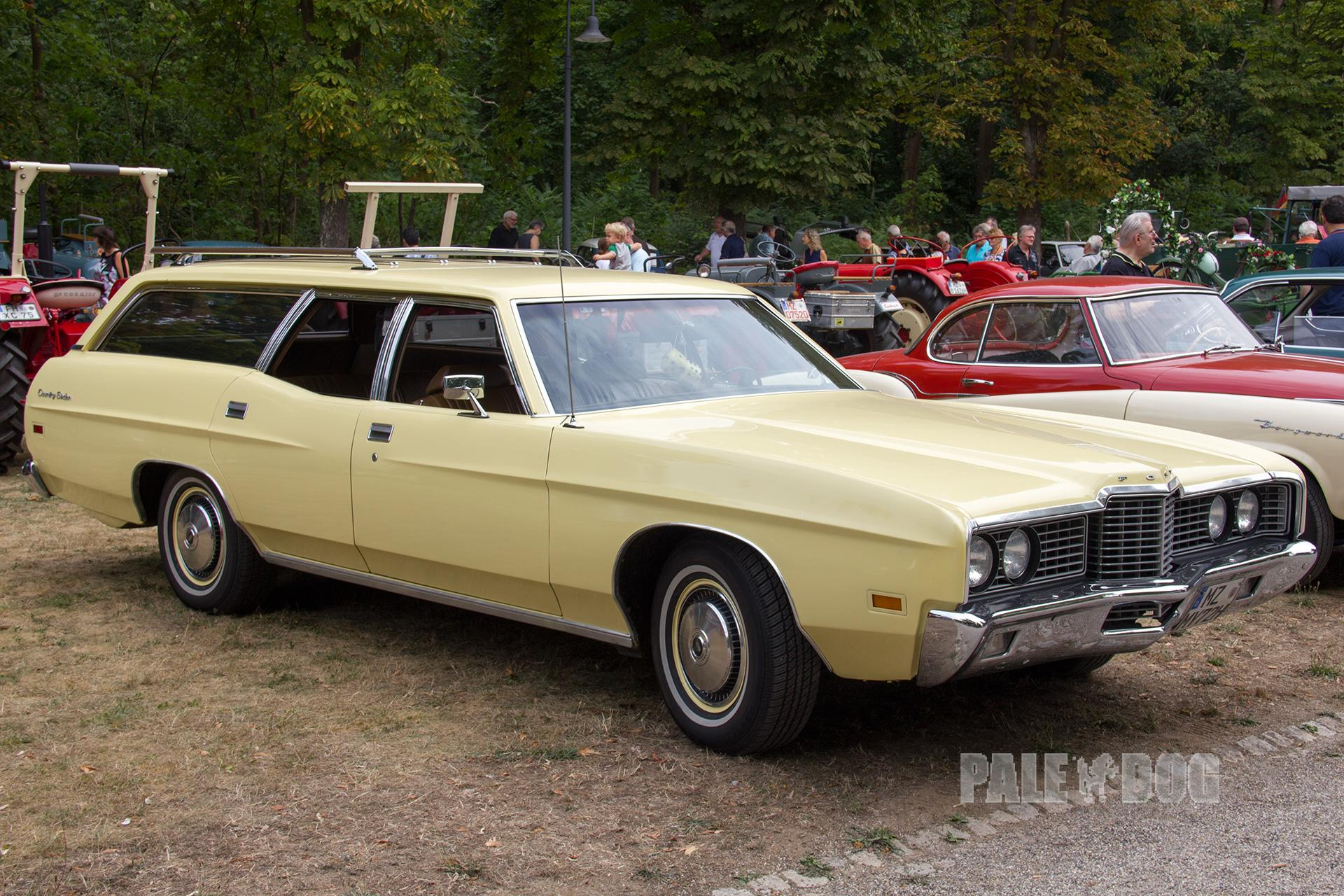 1972 ford galaxie 500 country sedan front view 1970s. Black Bedroom Furniture Sets. Home Design Ideas