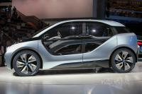 2011 BMW i3 Concept (side view)