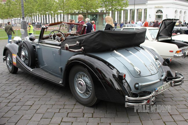 1938 Horch 853 A Sport-Cabriolet (rear view)