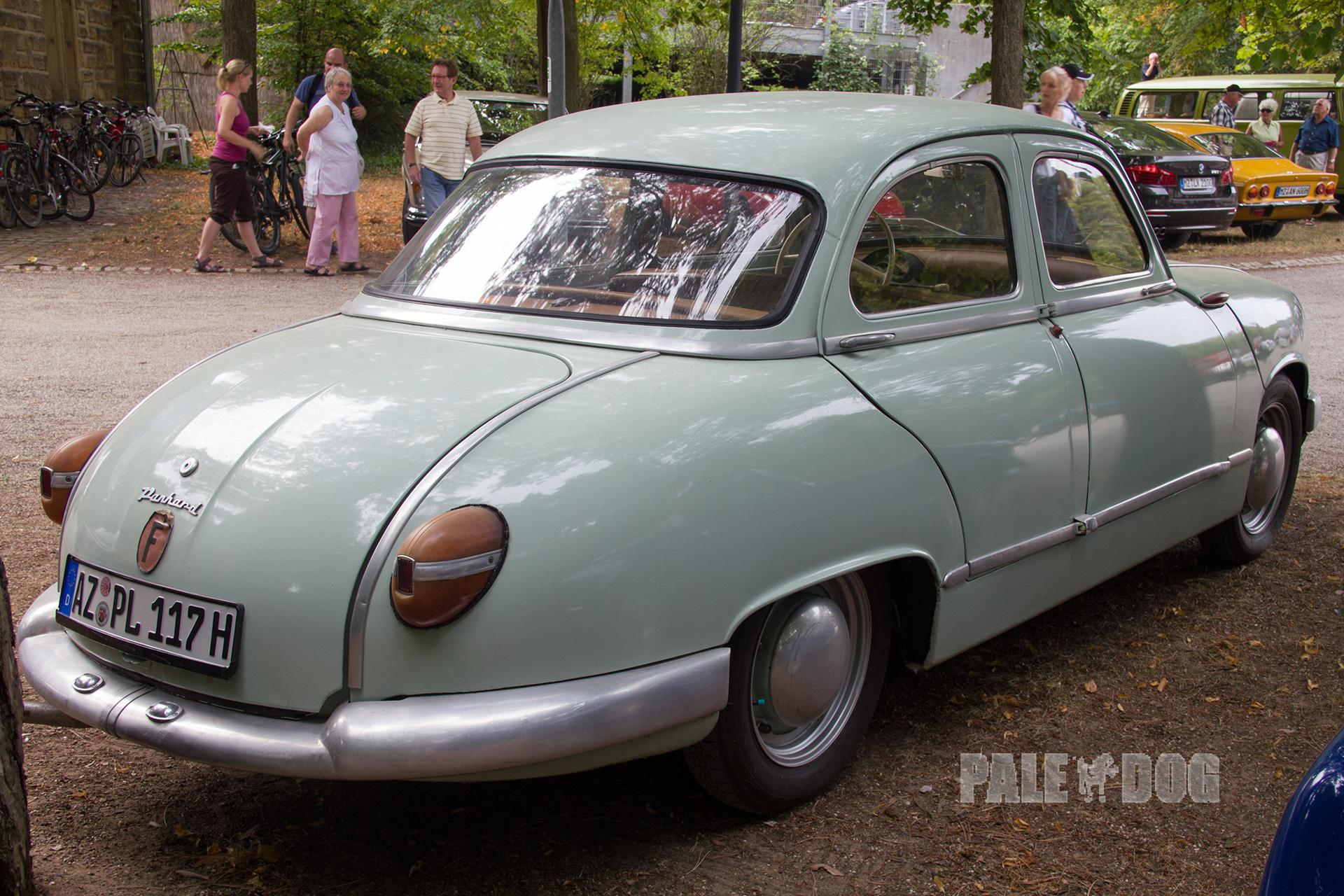 Panhard Paledog Photo Collection