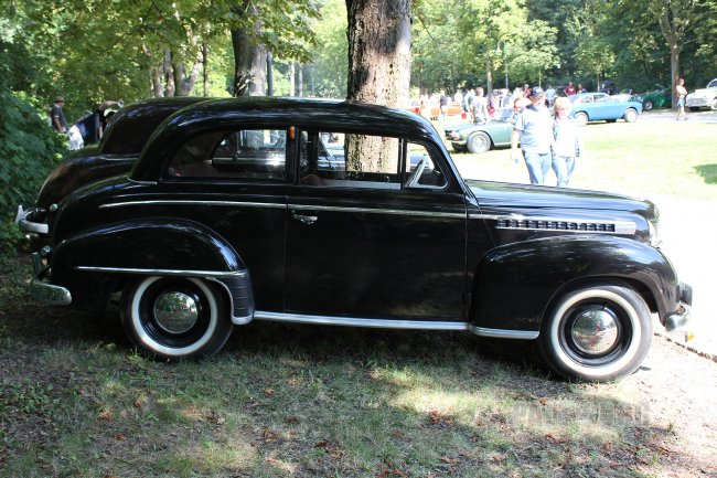 1951 Opel Olympia Limousine (side view)
