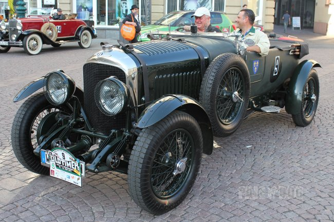 1928 Bentley 4½ Litre Le Mans Tourer (front view)
