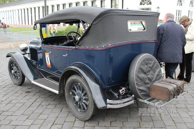 1929 Plymouth Model U Tourer (rear view)