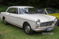 1966 Peugeot 404 Coupé (front view)