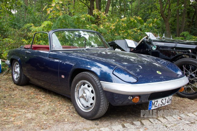 1968 Lotus Elan S3 (front view)