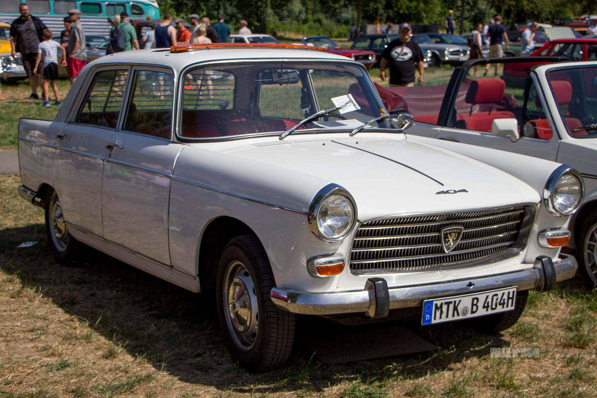 1967 Peugeot 404 Berline Front View 1960s Paledog Photo Collection