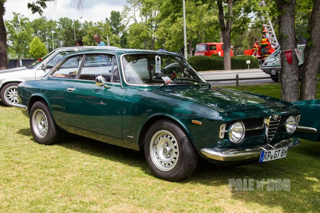 1968 Alfa Romeo GT 1300 Junior (front view)
