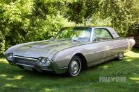 1961 Ford Thunderbird Coupe (front view)