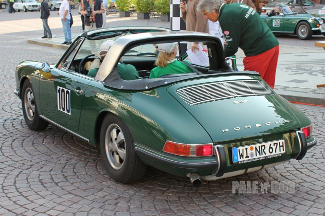 1967 Porsche 911 S Targa (rear view)