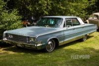1965 Chrysler New Yorker Hardtop Sedan (front view)