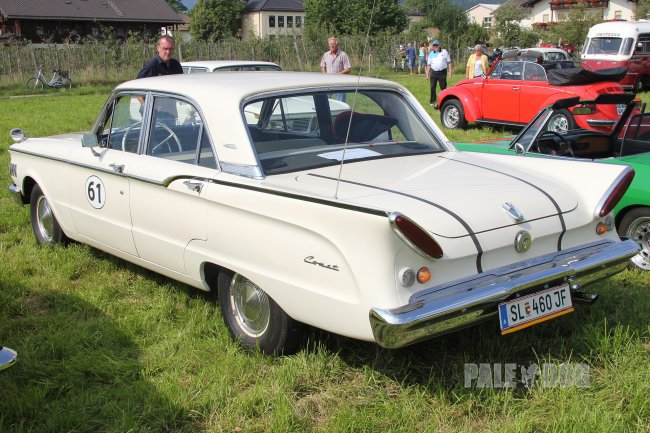 1961 Mercury Comet Sedan (rear view)