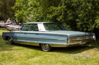 1965 Chrysler New Yorker Hardtop Sedan (rear view)