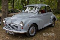 1971 Morris Minor 1000 Saloon (front view)