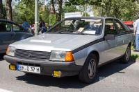 1982 Renault Fuego GTX (front view)