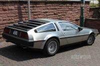 1982 DeLorean DMC-12 (rear view)