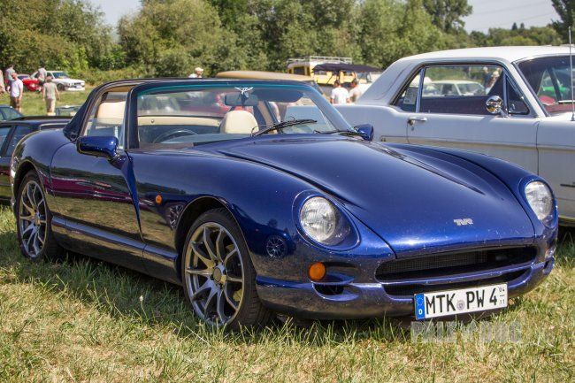 1996 TVR Chimaera (front view)