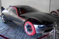 2016 Opel GT Concept (front view)
