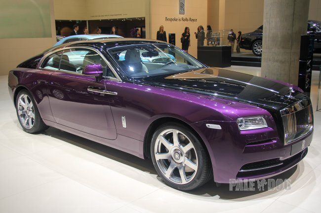 2013 Rolls-Royce Wraith (front view)