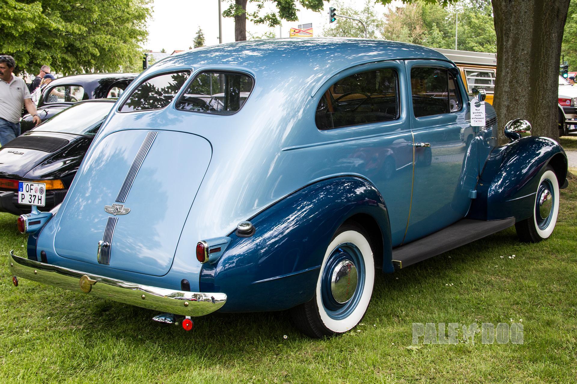 1937 Pontiac Deluxe Six Sedan (rear view) | Post Vintage | Paledog Photo Collection