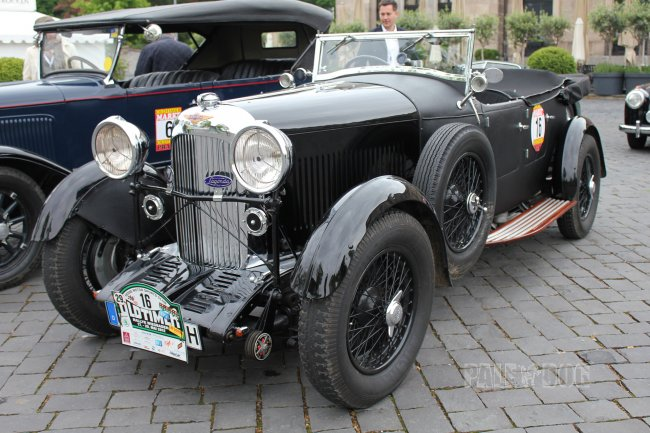 1933 Lagonda 16/80 Open Tourer (front view)