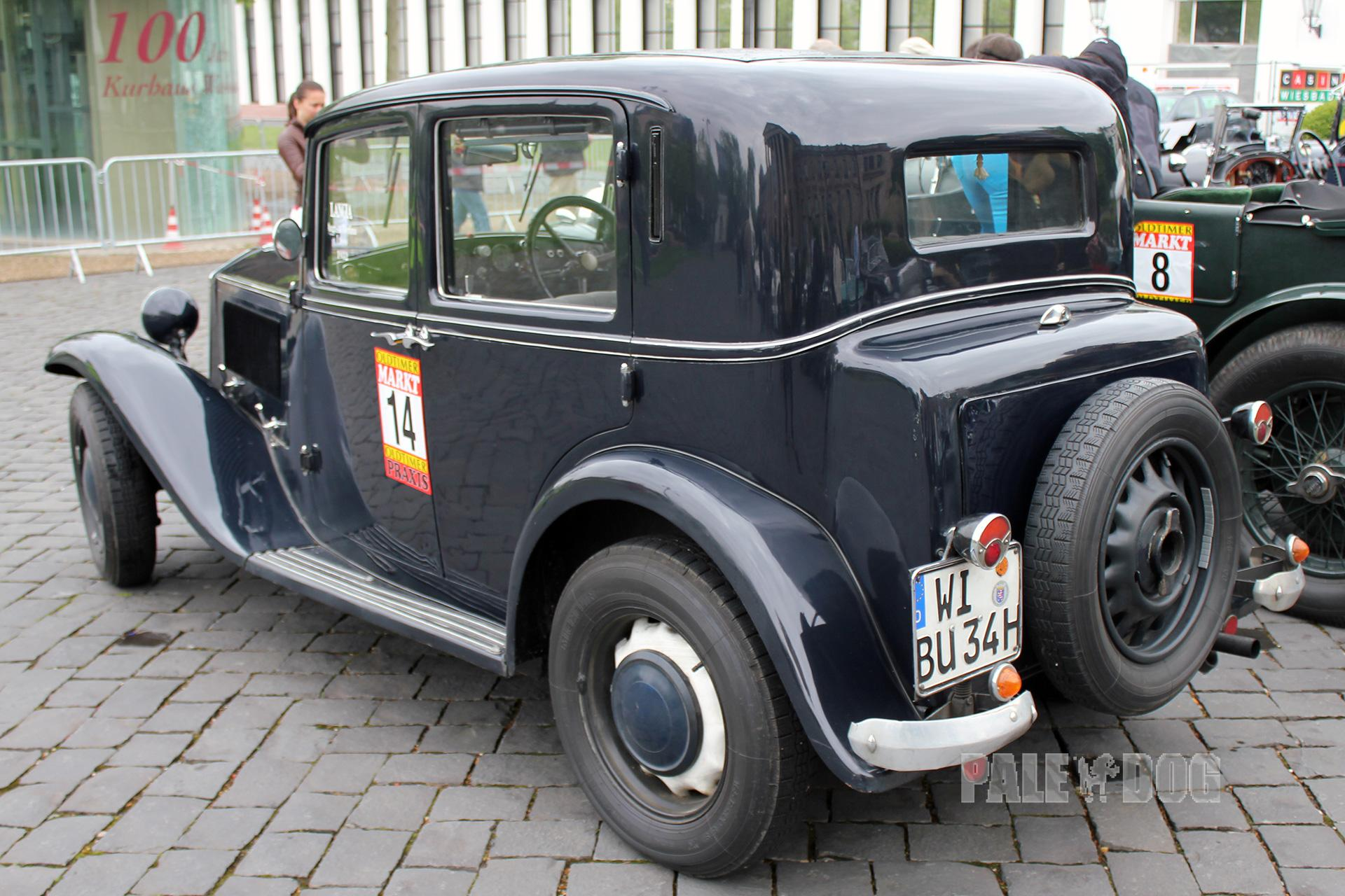 https://www.paledog.de/cache/Automobile/post-vintage/54f48c04c1388c7a79d1e4f29501c98766e8597f.1932-lancia-augusta-berlina_rear_FULL_paledog.jpg