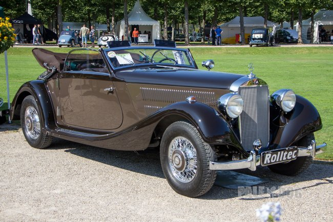 1940 Mercedes-Benz 320 Cabriolet A (front view)