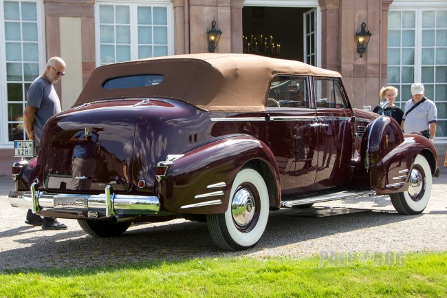 1938 Cadillac Series 75 Convertible Sedan (rear view)
