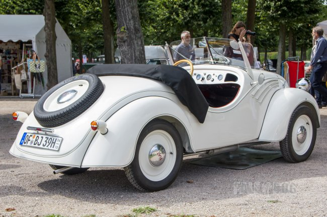 1939 Fiat 500 Weinsberg-Roadster (rear view)