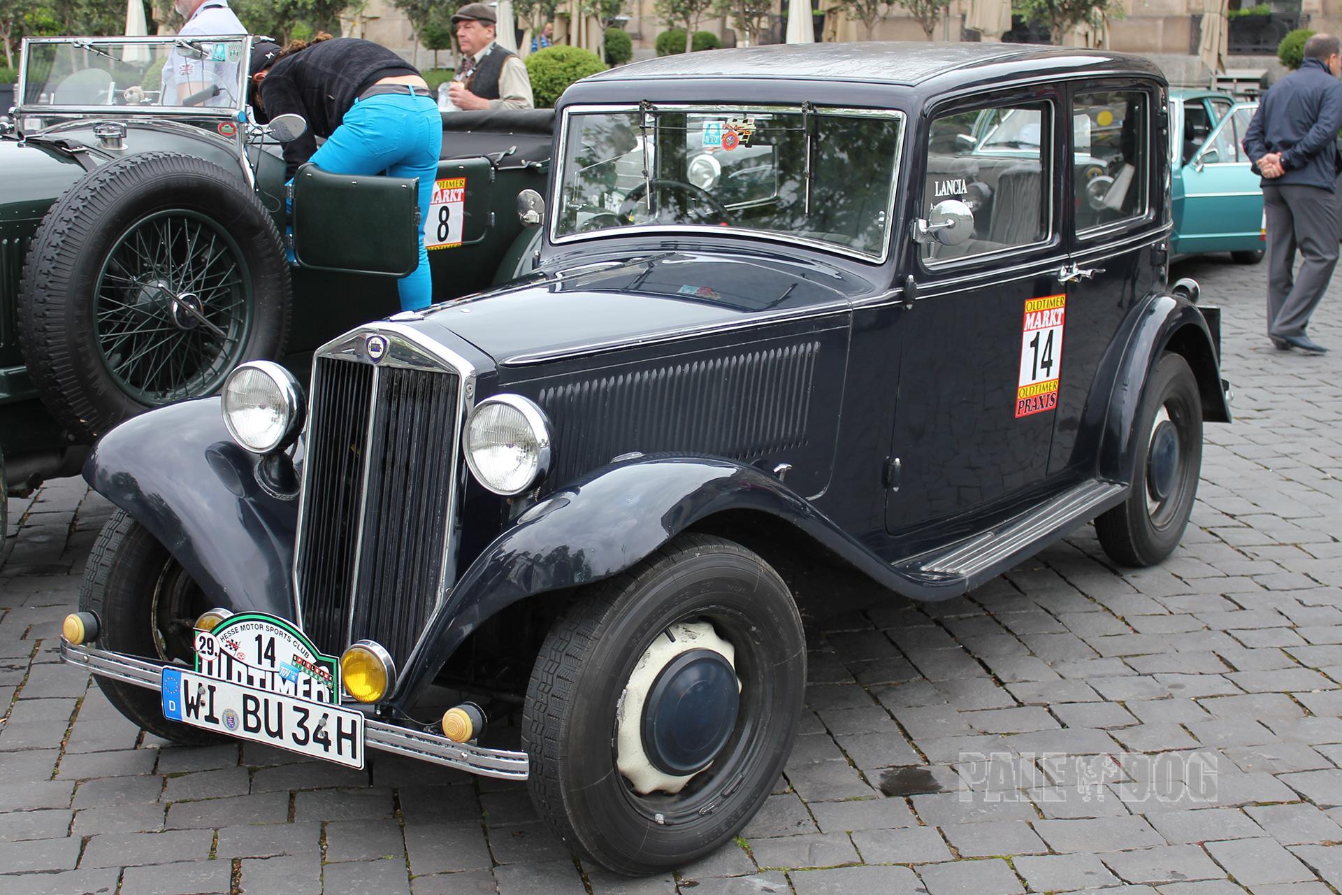 http://paledog.de/cache/Automobile/post-vintage/cba3b5b1829eae563b2602b703e91a537d88be92.1932-lancia-augusta-berlina_front_FULL_paledog.jpg