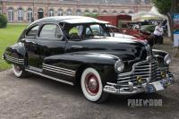 1946 Pontiac Streamliner Eight Sedan Coupe (front view)