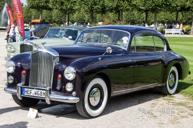 1953 Bentley R-Type Graber-Coupé (front view)