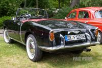 1957 Fiat 1200 Spyder (rear view)