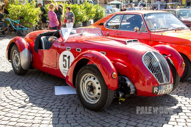 1949 Healey Silverstone (front view)