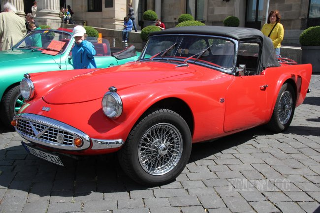 1959 Daimler SP250 (front view)