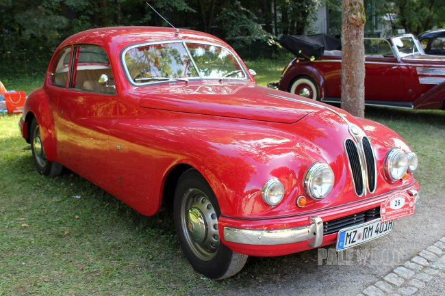 1950 Bristol 401 (front view)