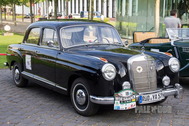 1956 Mercedes-Benz 219 (front view)