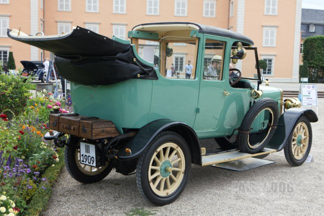 1909 Adler 19/45 PS Golde-Landaulet (rear view)
