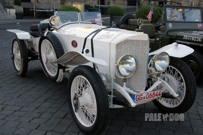 1922 Mercedes 28/95 PS Targa-Florio Race Car (front view)