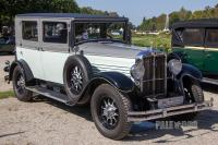 1928 Stoewer 8 Typ S 10 Limousine (front view)