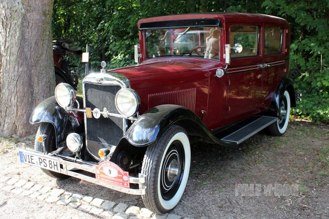 1930 Opel 8/40 PS Limousine (front view)
